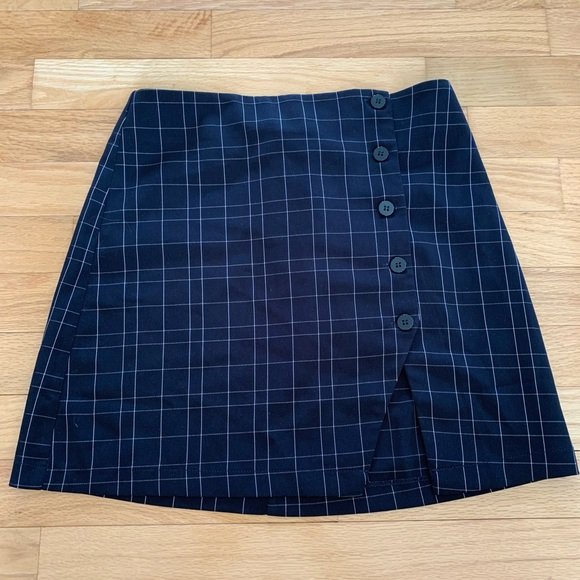 Forever 21 skirt with button up slit